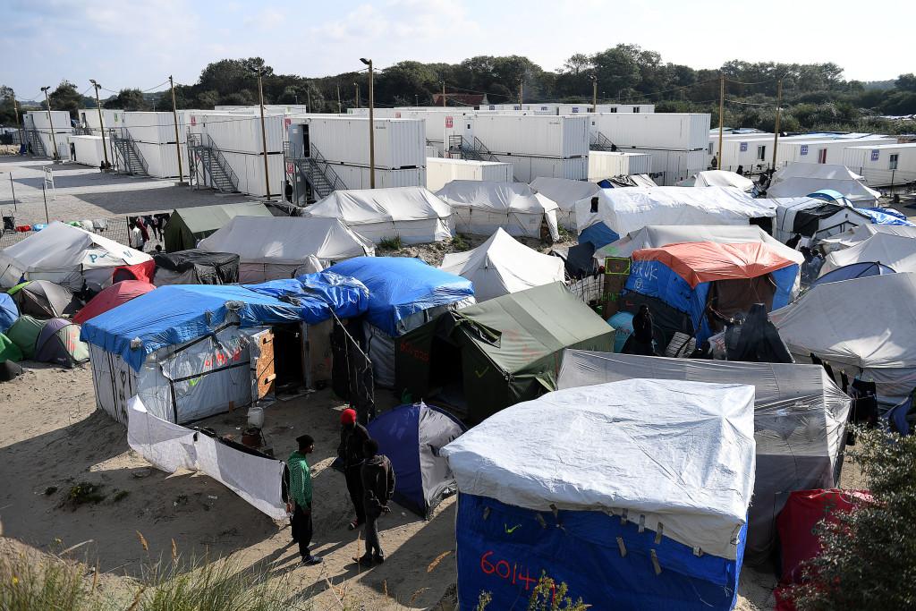 Stängslen runt färjeområdet i Calais. Foto: Urban Andersson