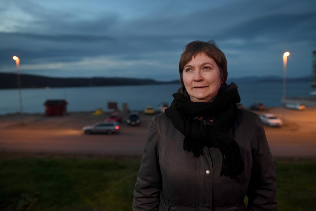 Kirkenes, gränsen Norge-Ryssland. Lena Bergeng som är vice kommunalråd för arbeiderpartiet. Foto: Urban Andersson